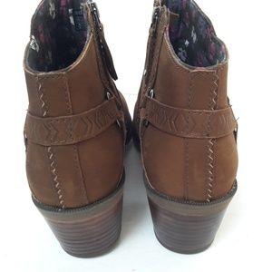Teva Shoes - SALE!! New Teva Foxy Boots Size 10